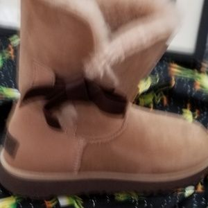 Hardly worn bailey's uggs